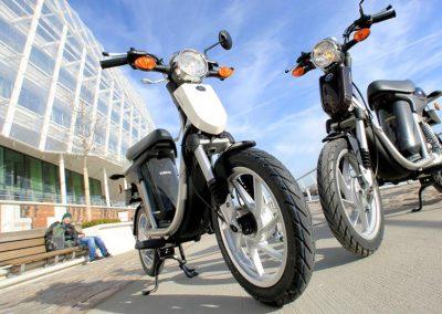 Motorsport-Pfiffner_2011-Yamaha-EC-03-EU-Basic-White-Studio-007 (7)