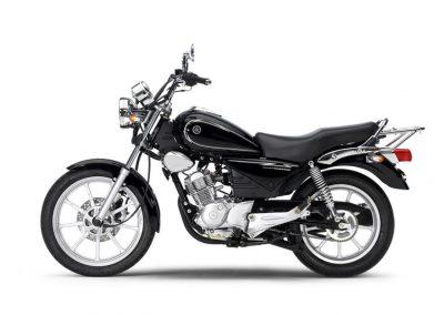 Motorsport-Pfiffner_2013-Yamaha-YBR125-Custom-EU-Midnight-Black-Studio-006 (1)