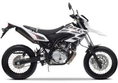 Motorsport-Pfiffner_2014-Yamaha-WR125X-EU-Sports-White-Action-002 (4)