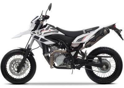 Motorsport-Pfiffner_2014-Yamaha-WR125X-EU-Sports-White-Action-002 (5)