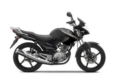 Motorsport-Pfiffner_2014-Yamaha-YBR125-EU-Midnight-Black-Studio-002 (1)