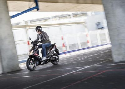 Motorsport-Pfiffner_2015-Yamaha-JogRR-EU-Power-Black-Static-002 (10)