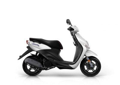 Motorsport-Pfiffner_2015-Yamaha-Neos-4-EU-Competition-White-Studio-005 (4)