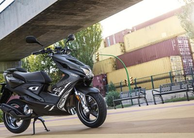 Motorsport-Pfiffner_2016-Yamaha-AER50N-EU-Power-Black-Action-004 (2)