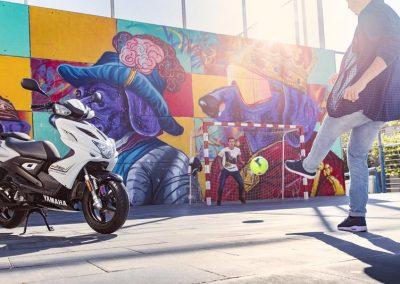 Motorsport-Pfiffner_2016-Yamaha-Aerox-R-EU-Matt-Grey-Studio-002 (10)