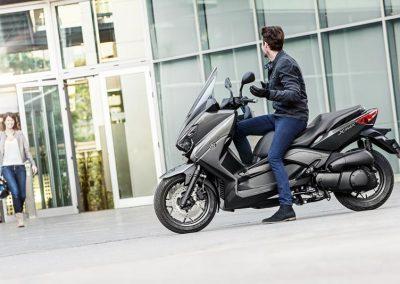 Motorsport-Pfiffner_2016-Yamaha-X-MAX-250-ABS-EU-Stonehenge-Grey-Studio-005 (9)