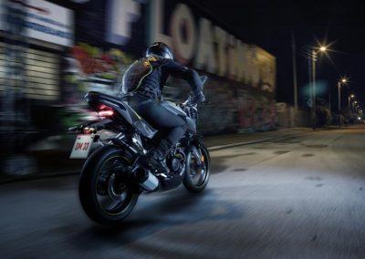 Motorsport-Pfiffner_2017-Yamaha-MT-125-EU-Night-Fluo-Action-001 (5)