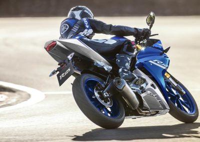 Motorsport-Pfiffner_2017-Yamaha-YZF-R125-EU-Race-Blu-Action-001 (5)