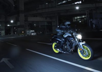 Motorsport-Piffner_2017-Yamaha-MT-07-EU-Night-Fluo-Action-001 (6)