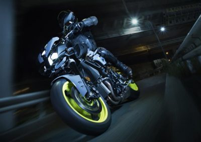 Motorsport-Piffner_2017-Yamaha-MT-10-EU-Night-Fluo-Action-001 (4)