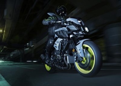 Motorsport-Piffner_2017-Yamaha-MT-10-EU-Night-Fluo-Action-001 (6)