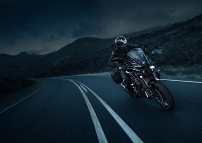 Motorsport-Piffner_2017-Yamaha-MT10-Tourer-Edition-EU-Night-Fluo-Studio-001 (5)
