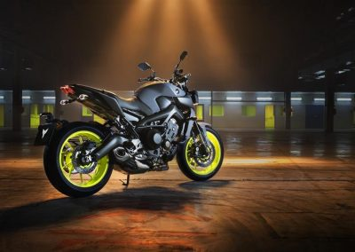 Motorsport-pfiffner_2017-Yamaha-MT-09-EU-Night-Fluo-Action-001 (8)