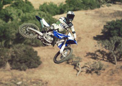 Motorsport_Pfiffner_2017-Yamaha-YZ125-EU-Racing-Blue-Action-001 (1)