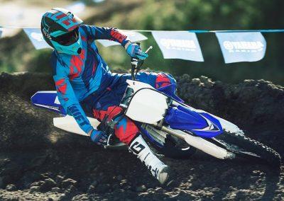 Motorsport_Pfiffner_2017-Yamaha-YZ125-EU-Racing-Blue-Action-001 (4)
