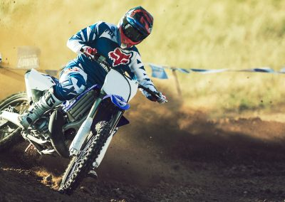 Motorsport_pfiffner_2017-Yamaha-YZ250-EU-Racing-Blue-Action-001 (1)