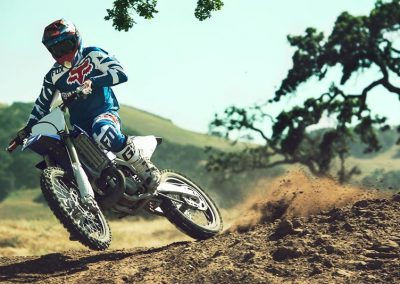 Motorsport_pfiffner_2017-Yamaha-YZ250-EU-Racing-Blue-Action-001 (3)