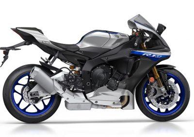 Motoshop-Pfiffner_2017-Yamaha-YZF-R1M-EU-Silver-Blu-Carbon-Action-001 (16)