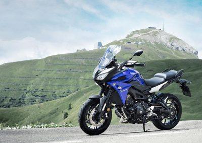 Motorsport-Pfiffer_2017-Yamaha-Tracer-900-EU-Yamaha-Blue-Action-002 (6)