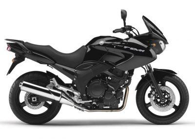 Motorsport-Pfiffner_2011-Yamaha-TDM900-EU-Midnight-Black-Studio-001 (2)