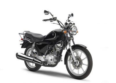Motorsport-Pfiffner_2013-Yamaha-YBR125-Custom-EU-Midnight-Black-Studio-006 (3)