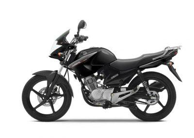 Motorsport-Pfiffner_2014-Yamaha-YBR125-EU-Midnight-Black-Studio-002 (2)