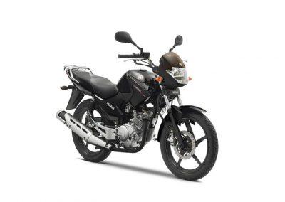 Motorsport-Pfiffner_2014-Yamaha-YBR125-EU-Midnight-Black-Studio-002 (4)