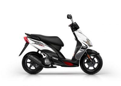 Motorsport-Pfiffner_2015-Yamaha-JogRR-EU-Power-Black-Static-002 (5)