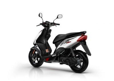 Motorsport-Pfiffner_2015-Yamaha-JogRR-EU-Power-Black-Static-002 (6)