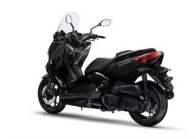 Motorsport-Pfiffner_2016-Yamaha-X-MAX-250-IRON-MAX-EU-Liquid-Darkness-Studio-005 (1)