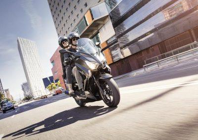 Motorsport-Pfiffner_2016-Yamaha-X-MAX-250-IRON-MAX-EU-Liquid-Darkness-Studio-005 (5)