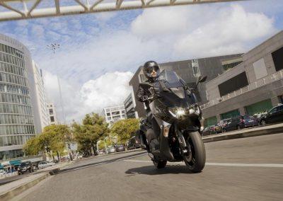 Motorsport-Pfiffner_2017-Yamaha-T-MAX-ABS-EU-Midnight-Black-Studio-005 (3)
