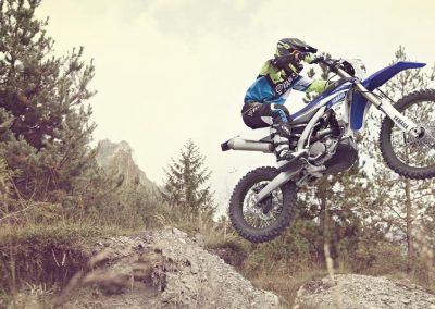 Motorsport-Pfiffner_2017-Yamaha-WR250F-EU-Racing-Blue-Action-001 (3)