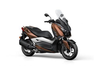 Motorsport-Pfiffner_2017-Yamaha-X-MAX-300A-EU-Quasar-Bronze-Studio-001 (1)