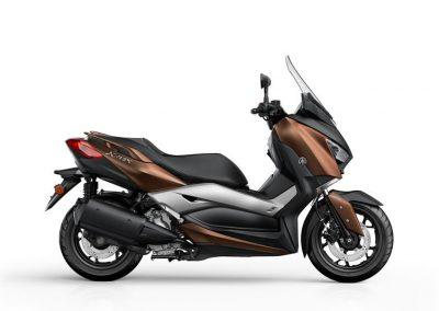 Motorsport-Pfiffner_2017-Yamaha-X-MAX-300A-EU-Quasar-Bronze-Studio-001 (2)
