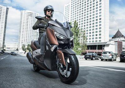 Motorsport-Pfiffner_2017-Yamaha-X-MAX-300A-EU-Quasar-Bronze-Studio-001 (3)