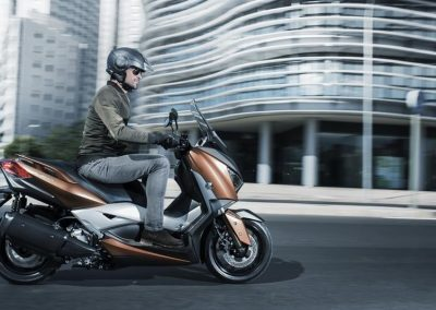 Motorsport-Pfiffner_2017-Yamaha-X-MAX-300A-EU-Quasar-Bronze-Studio-001 (6)