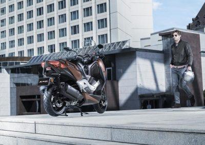 Motorsport-Pfiffner_2017-Yamaha-X-MAX-300A-EU-Quasar-Bronze-Studio-001 (8)