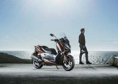 Motorsport-Pfiffner_2017-Yamaha-X-MAX-300A-EU-Quasar-Bronze-Studio-001 (9)