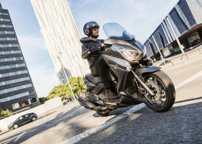 Motorsport-Pfiffner_2017-Yamaha-X-MAX-400-EU-Stonehenge-Grey-Studio-005 (5)