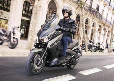 Motorsport-Pfiffner_2017-Yamaha-XMAX-125-ABS-EU-Stonehenge-Grey-Static-001 (5)