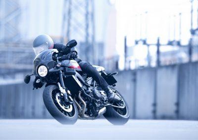 Motorsport-Pfiffner_2017-Yamaha-XSR900-Abarth-EU-Nimbus-Grey-Action-001 (1)
