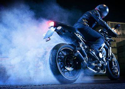 Motorsport-Pfiffner_2017-Yamaha-XSR900-Abarth-EU-Nimbus-Grey-Action-001 (3)