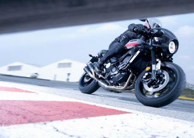 Motorsport-Pfiffner_2017-Yamaha-XSR900-Abarth-EU-Nimbus-Grey-Action-001 (9)