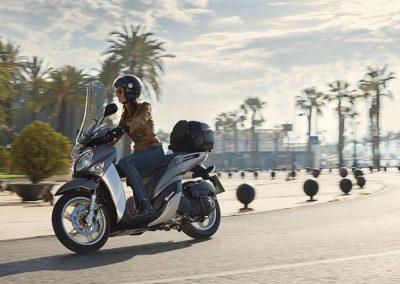 Motorsport-Pfiffner_2017-Yamaha-Xenter-125-EU-Silky-Grey-Static-003 (7)