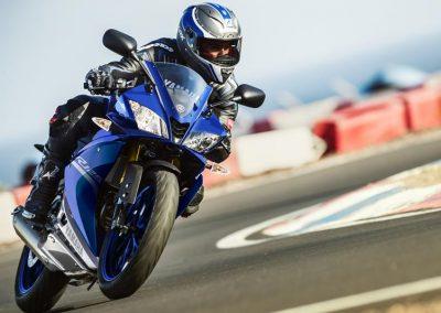 Motorsport-Pfiffner_2017-Yamaha-YZF-R125-EU-Race-Blu-Action-001 (3)