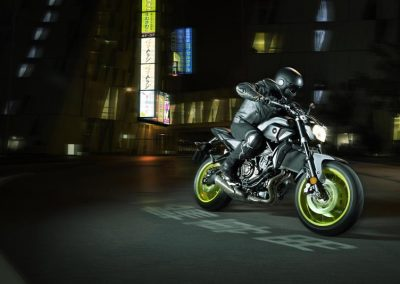 Motorsport-Piffner_2017-Yamaha-MT-07-EU-Night-Fluo-Action-001 (3)
