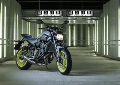 Motorsport-Piffner_2017-Yamaha-MT-07-EU-Night-Fluo-Action-001 (7)