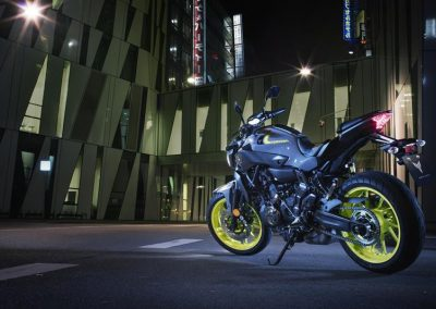 Motorsport-Piffner_2017-Yamaha-MT-07-EU-Night-Fluo-Action-001 (9)
