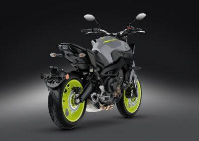 Motorsport-pfiffner_2017-Yamaha-MT-09-EU-Night-Fluo-Action-001 (25)